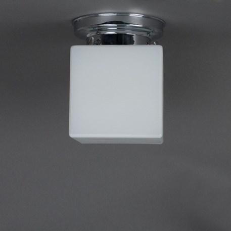 Badkamer plafondlamp kubus met chromen plafondplaat