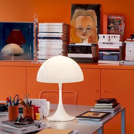 Sfeerimpressie Louis Poulsen Panthella Tafellamp